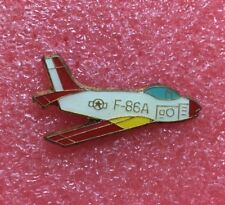 Pins Avion de Chasse NORTH AMERICAN F-86 SABRE Fighter Plane Aviation Airplane
