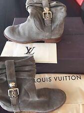 Louis Vuitton safari suede boots size 37 AMAZING