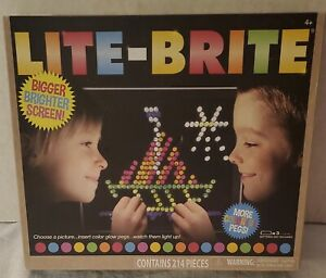 Basic Fun 02215 Hasbro Lite-Brite Ultimate Classic Toy 200+ Peg Set New