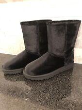 Women's UGG Classic Short II Velvet Black Boots- size 7- #1110411
