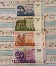 Lote de 4 X Madagascar billetes. 100, 200, 500, 1000 Ariary.