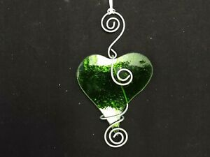 """GREEN STAINED GLASS HEART SUNCATCHER/CHRISTMAS TREE ORNAMENT 4.5"""" T X 2.5"""" W"""