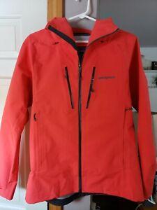 Patagonia, #83407, Women's Triolet Jacket, Catalan Coral, Size M ($399)