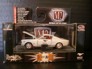 M2 Machines 1966 Ford Mustang GT 2+2 Fastback Pearl White 1/64 Die Cast