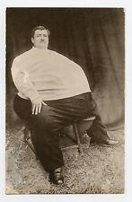 A. RéMOND . L'homme le plus gros du monde 1934 . The biggest man in the world
