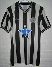 "NEWCASTLE UNITED REMAKE 1983 - 1986 HOME SHIRT WADDLE 9 SIZE ""L"" STAR JERSEY"