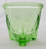 VINTAGE Green Depression/Vaseline Glass Measuring Cup  2-Cup/16oz Circa 1920s
