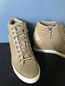 DKNY Donna Karen Women's Wedge Sneakers Beige Lace Up Leather Shoes Size 8