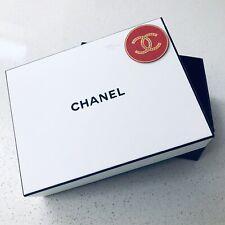 CHANEL GIFT BOX 21 x 16 x 7.5cm