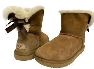 UGG 1016501 women's mini Bayley boots shearling boot camel size US 9