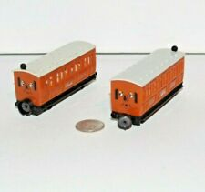 Bandai Ertl Thomas Friends Railway Train Tank Engine Annie & Clarabel Coach Cars