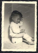 Vintage Photo-cute young Boy-teen-sitting on the pot-hair comb-Knabe-ca.1920