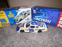 1/24 KEVIN HARVICK #29  GM GOODWRENCH SERVICE / AOL 2001 ACTION NASCAR DIECAST