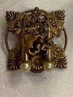 Lot-m Vintage Ornate Lion Gold Tone Brooch Pin Layered Antique Pendant Unique