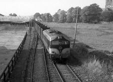 PHOTO  1985 CIE'S 001 CLASS DIESEL LOCO TRAIN 013 APPROACHING TUAM A CIE 001 CLA