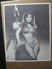 RAQUEL WELCH VINTAGE POSTER BAR GARAGE 1970 HOT GIRL CNG1558