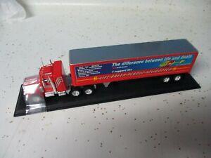 "Matchbox Collectibles Convoy Peterbilt Box Truck ""Westpac"", Color Comp"