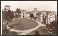 Warwickshire - Warwick. Warwick Castle Courtyard - Vintage Photo Postcard