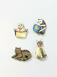 Set of 4 Resin Cat Gray White Black Striped Button Covers