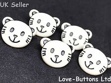 5 NOVELTY CAT FACE CREAM BUTTONS FOR SEWING KNITTING CRAFT AND SCRAP BOOKING