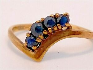 9ct Gold and sapphire v shape ring size K 1g
