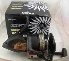 NEW DAIWA GIANT SPINNING FISHING REEL DF100A