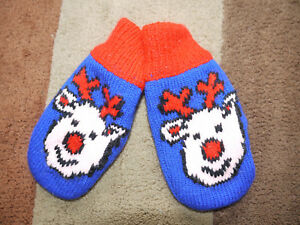 Kid's (3+) Reindeer Themed Mittens + Matching Scarf (16 cm x 8 cm) Brand New