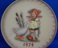 Goebel Hummel Annual 1974 Little Girl Ducks Tree 4th Edition Collector Plate