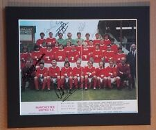 """1970-71 MANCHESTER UNITED SIGNED  PICTURE 12"""" x 10"""" IN MOUNT 12 SIGNED FL REVIEW"""