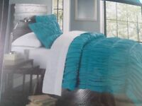 NEW NWT CYNTHIA ROWLEY RUCHED FARMHOUSE COMFORTER SET FULL QUEEN TEAL TURQUOISE