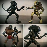 Kenner Aliens vs Predator Renegade Predator vs Warrior Alien Action Figure Set