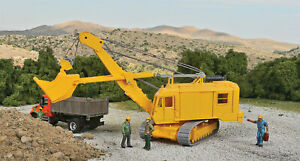 Walthers HO Scale Cable Excavator with Bucket Construction Vehicle (Kit)