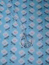 Funky SMALL Argento Peace Sign Collana Kitsch Vintage stile hippy / boho Carino 60 70 80