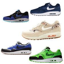 Nike Turnschuhe mit Schnürsenkeln