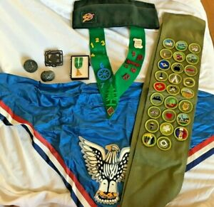 Boy Scouts of America Eagle Vintage Sash Hat Collar Medal Pin Primary