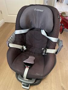 Maxi-Cosi Child Car Seat With Isofix Family Fix Base (used)