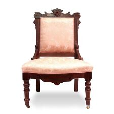 antiker Stuhl neoklassizistischer Sessel in wunderbarem Zustand mit rosa Stoff