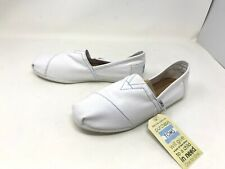 Mens Toms classic white canvas loafers size 10