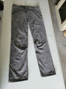Mens Rab Grit Pants Trousers size 30 waist in decent worn condition.