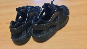 Nike Girls Black Sneakers Size 1.5