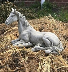 Horse garden ornament concrete stone statue laying horse beautiful design stunni
