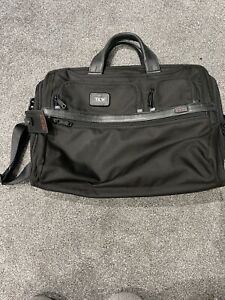 Tumi Alpha 2 Expandable Organizer Laptop Brief, Black Compact Large Screen