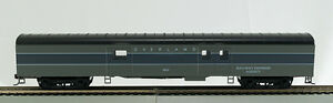 """HO 72 Ft Pass. Full Baggage, RTR Union Pacific """"Overland"""" (grays) (1-1035)"""