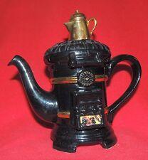 Théière en céramique. Le Poële à charbon. Céramique anglaise Tony Carter 1996