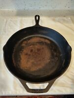 Vintage Lodge 5 Cast Iron Frying Pan 10SK USA Sits Flat