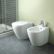 Sanitari filo muro Ideal Standard Connect con scarico traslato AquaBlade con sed