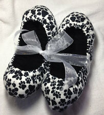 Paw Prints Super Puffy Ice Skating Skate Soakers Blade Covers Size Medium