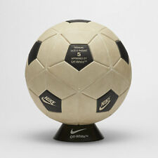 NIKE x OFF WHITE MAGIA SOCCER BALL - FOOTBALL MON AMOUR - IN HAND