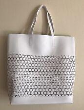 Estee Lauder Tote Bag Medium Size Faux Leather WHITE #0417S GWP New