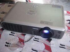 TOSHIBA TLP-T60M LCD PROJECTOR 1024x768 pixels videoprojecteur